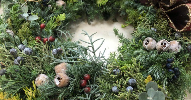 クリスマスリースをお探しの方へ。